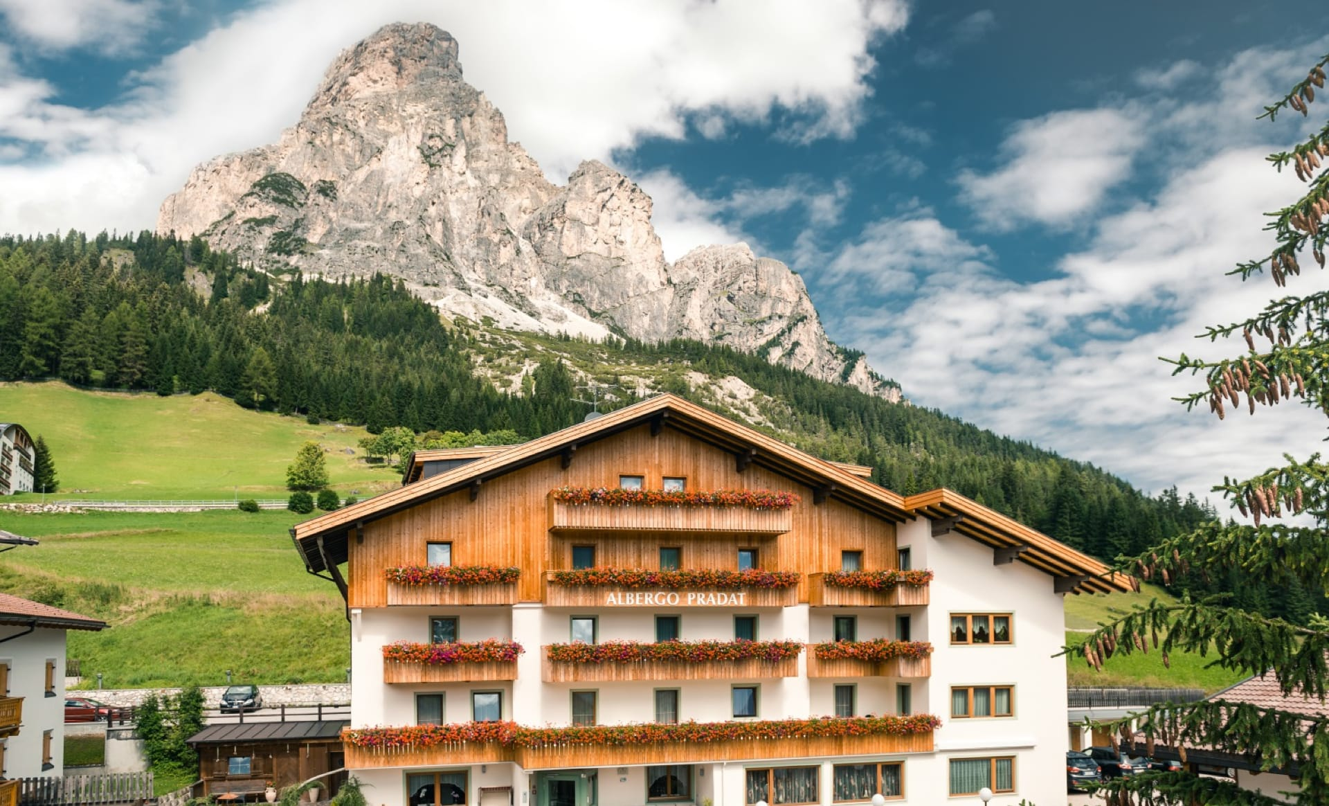 Albergo Pradat with the Sassongher on the background